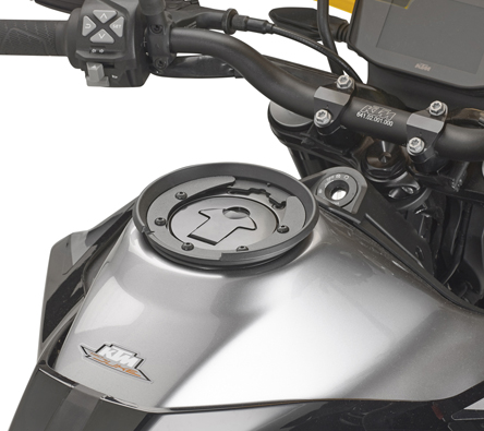 Portapacchi posteriore specifico per bauletto MONOKEY GIVI SR7708 KTM Duke 790 18
